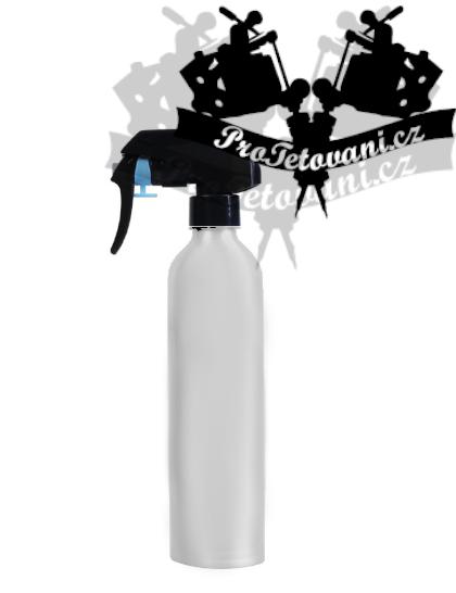 Plastový rozprašovač na vodu 500 ml White