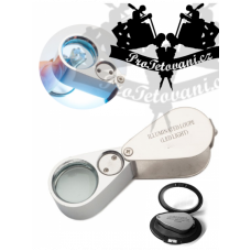 LED and UV magnifier for tattoos in a box