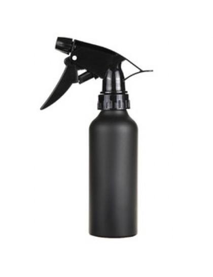 Černý rozprašovač na vodu